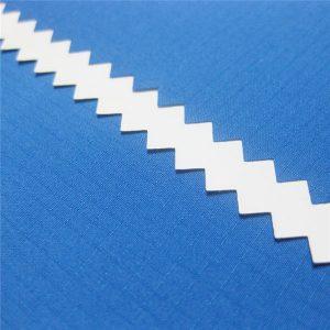 Tissu pongé jacquard à grille de dobby 100% polyester avec enduit imperméable à l'eau pour la veste ou le sportswear